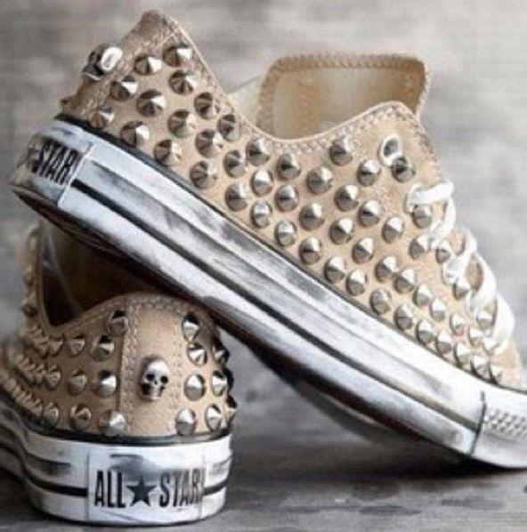 Studded converse all stars   Tachuelas, Zapatos locos