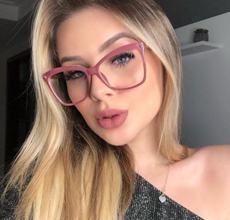 Armacao De Oculos De Grau Feminino Quadrado Rose Gatinha Em 2020