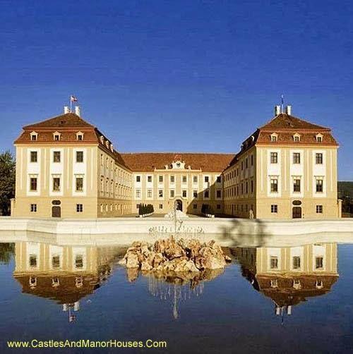 100 Best Castle Photographs Castles Palaces Historical Buildings Hrady