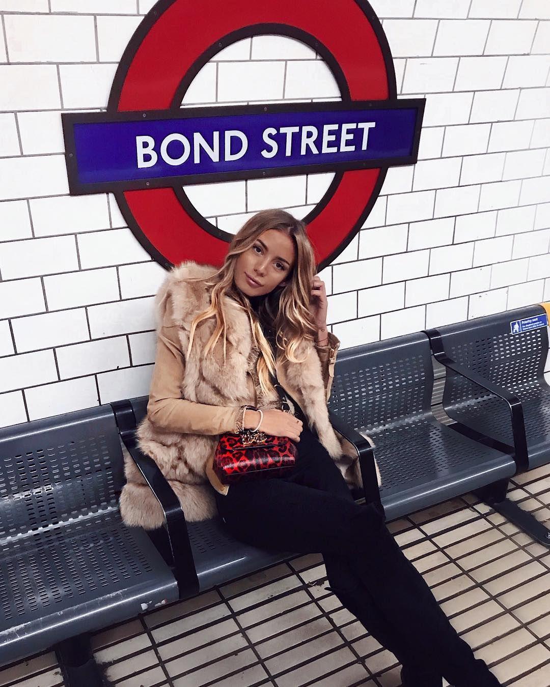 ", Tatjana Catic on Instagram: ""*please mind the gap 🇬🇧"", My Travels Blog 2020, My Travels Blog 2020"