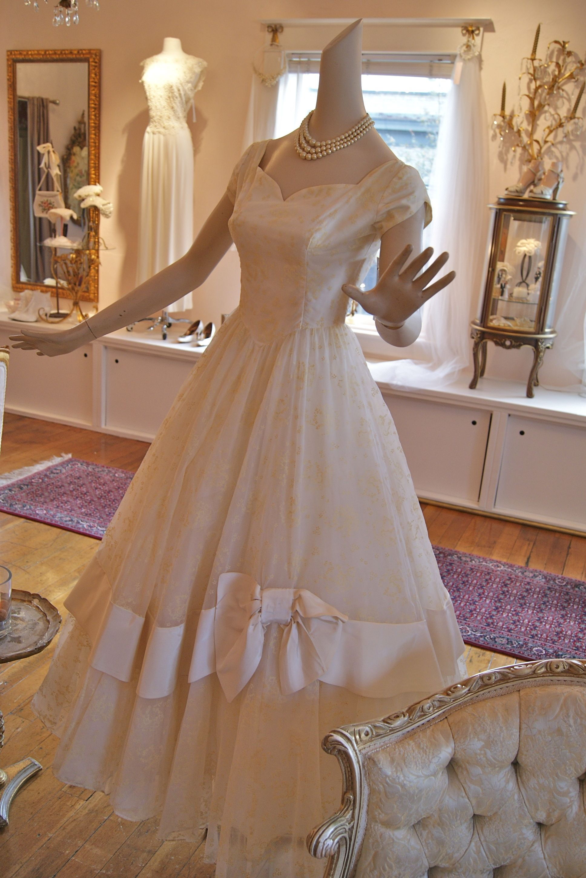 Vintage Bridal Salon In Portland Oregon 1950 S Wedding Dress Gorgeous Wedding Dress 1950s Wedding Dress Dresses