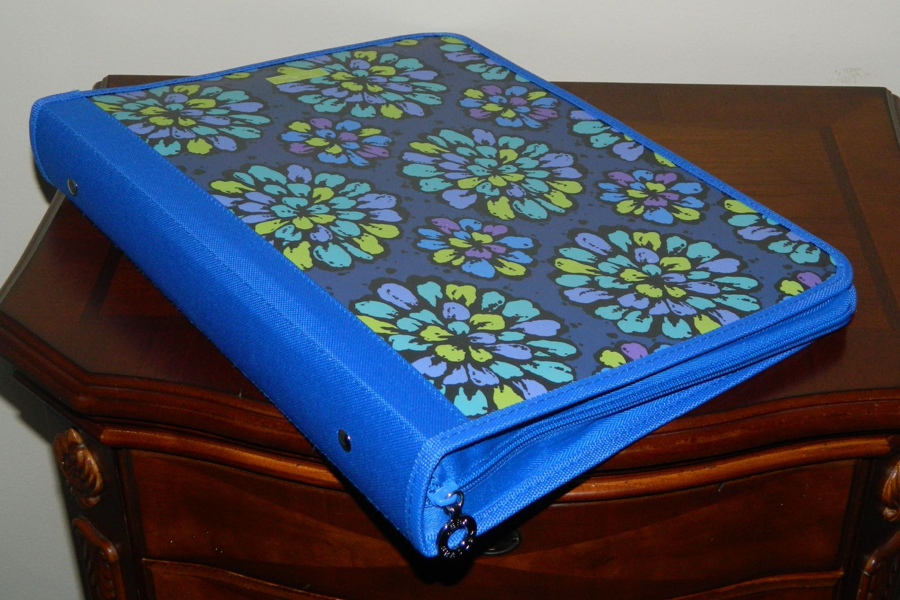 Flexi Zip- Binder Vera Bradley - Indigo Pop 24.00
