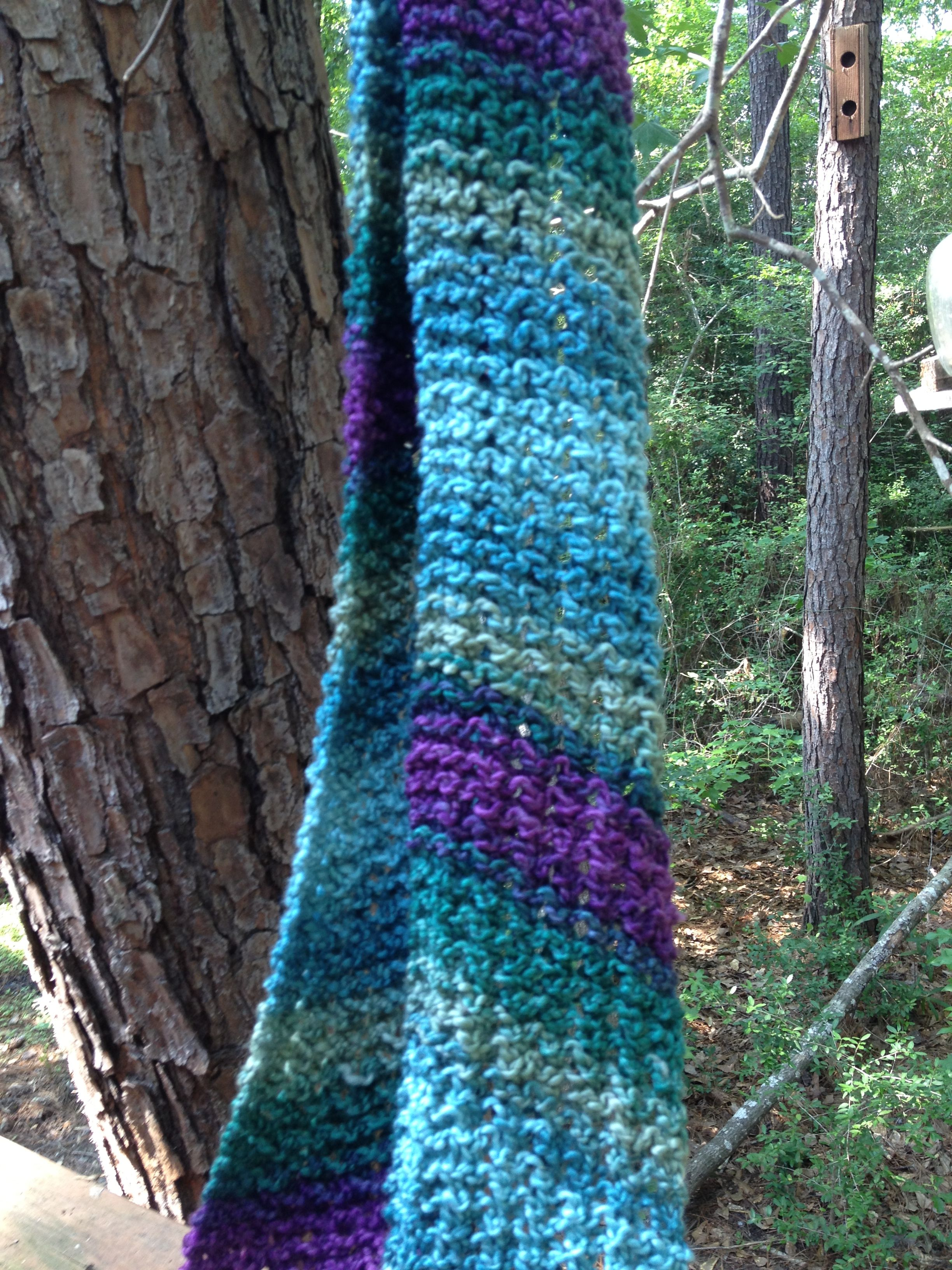Diagonal lace scarf. Loom knit pattern from Lion brand website | My ...