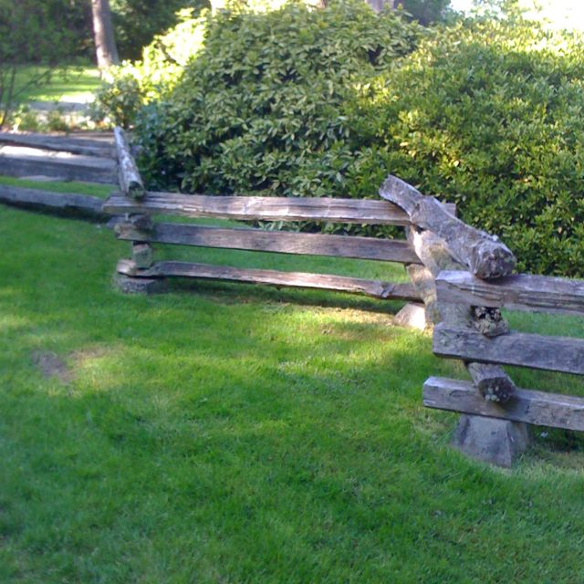 Cool Take On A Split Rail Fence Fence Landscaping Backyard