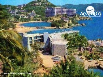#acapulcoeneltiempo El Hotel Boca Chica de Acapulco y su reciente remodelación. ACAPULCO EN EL TIEMPO. Las playas de Caleta y Caletilla de Acapulco siempre han sido de las preferidas por los turistas que visitan el puerto y no sólo por la tranquilidad de sus aguas y belleza natural, sino también por hoteles que hay alrededor como el Boca Chica, el cual fue remodelado no hace mucho tiempo. Visita la página oficial de Fidetur Acapulco, para obtener más información.
