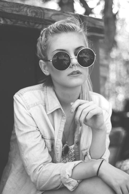 black and white, girl, glasses, hair   My style   Sunglasses, Ray ... 62cce77ce6d