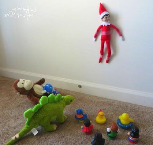 Elf On The Shelf Ideas For Toddlers ,  #Elf #elfontheshelfideasfortoddlershome #ideas #Shelf ... #elfontheshelfideasfortoddlers