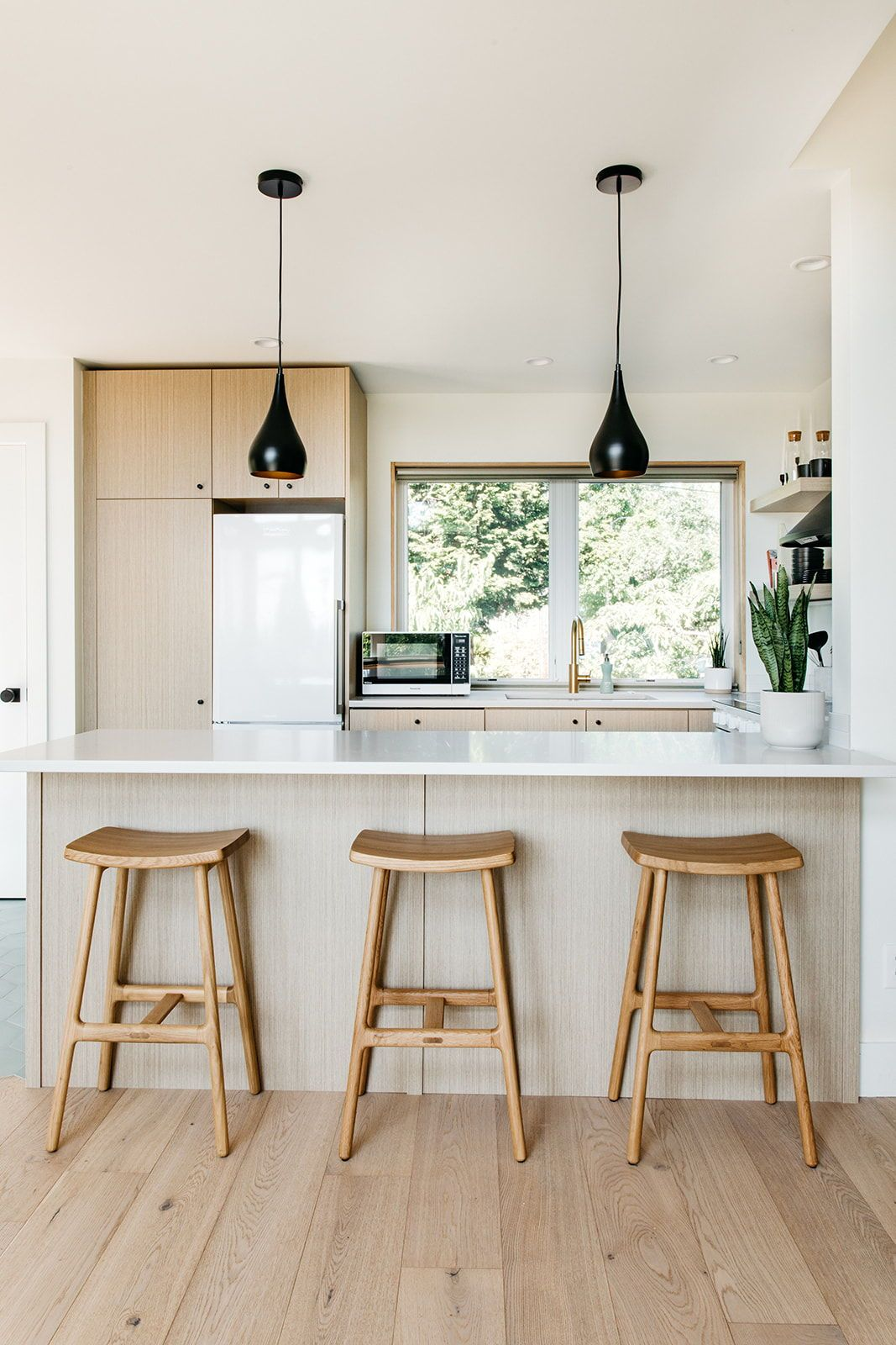 Article Stools In Modern Kitchen Modern Kitchen Kitchen Decor Interior