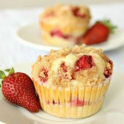 Moist Strawberry Cheesecake Muffins with cinnamon crumb topping.
