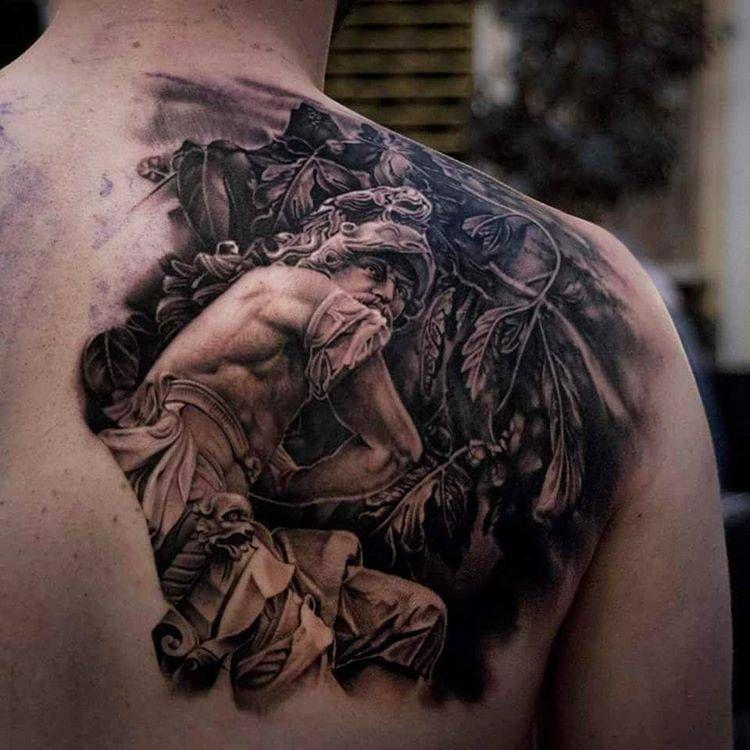 Pin De Tatuajes Para Hombres En Tatuajes En El Omoplato Para Hombres