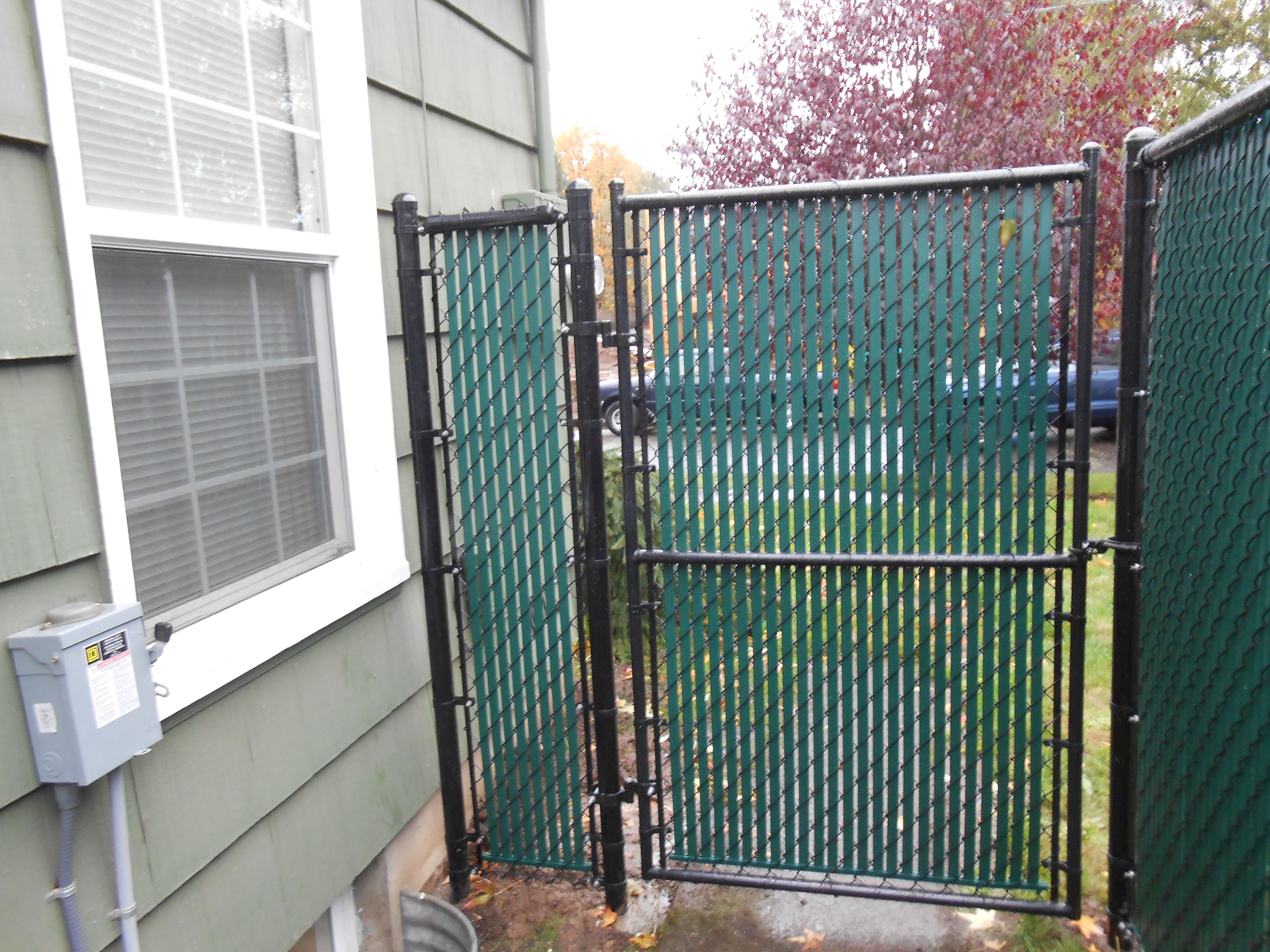 Chain Link Gate With Privacy Slats 503 760 7725 Chain Link Fence