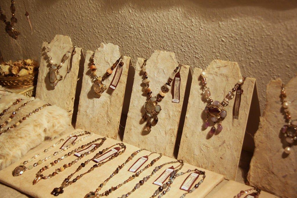 Tutorial de Artesanías: Tres bustos expositores para tus collares. . Autora: Kotomi