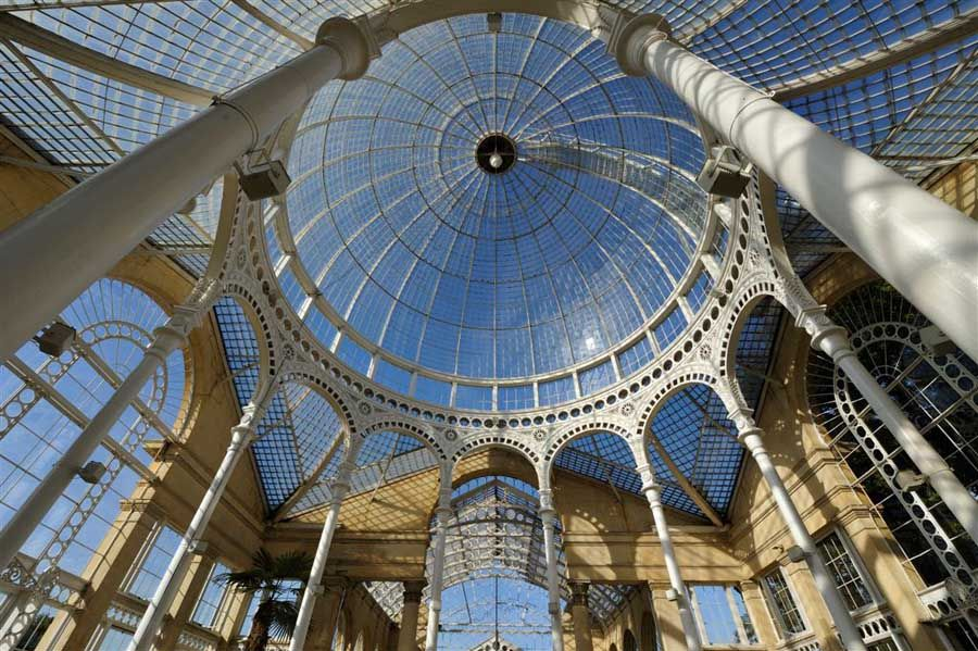 Great Conservatory Syon Park-London.  Who doesn't want a conservatory?