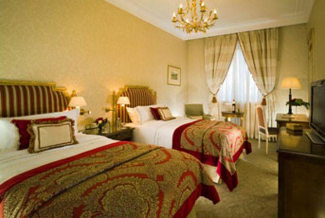 Sheraton hotel habitaci n doble de lujo habitaciones for Hoteles con habitaciones dobles comunicadas