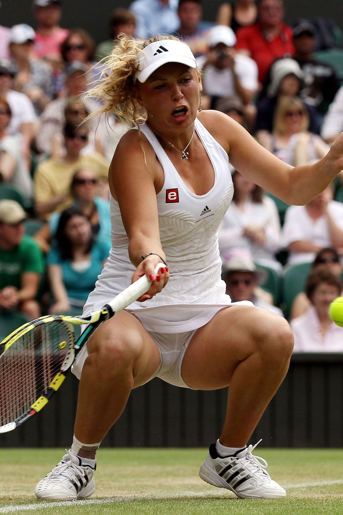 парень трахает под юбкой у теннисисток фото поводу предыдущего вашего