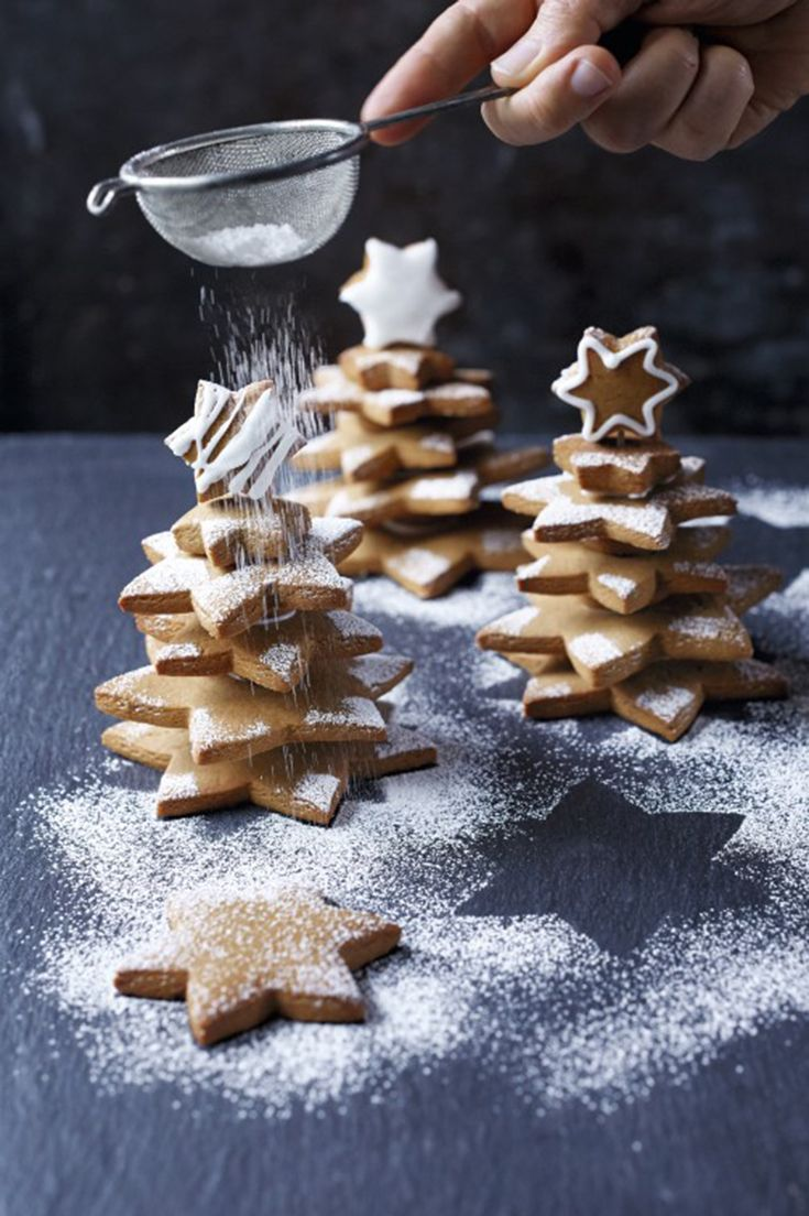 These gingerbread trees make a great centrepiece for the Christmas ...