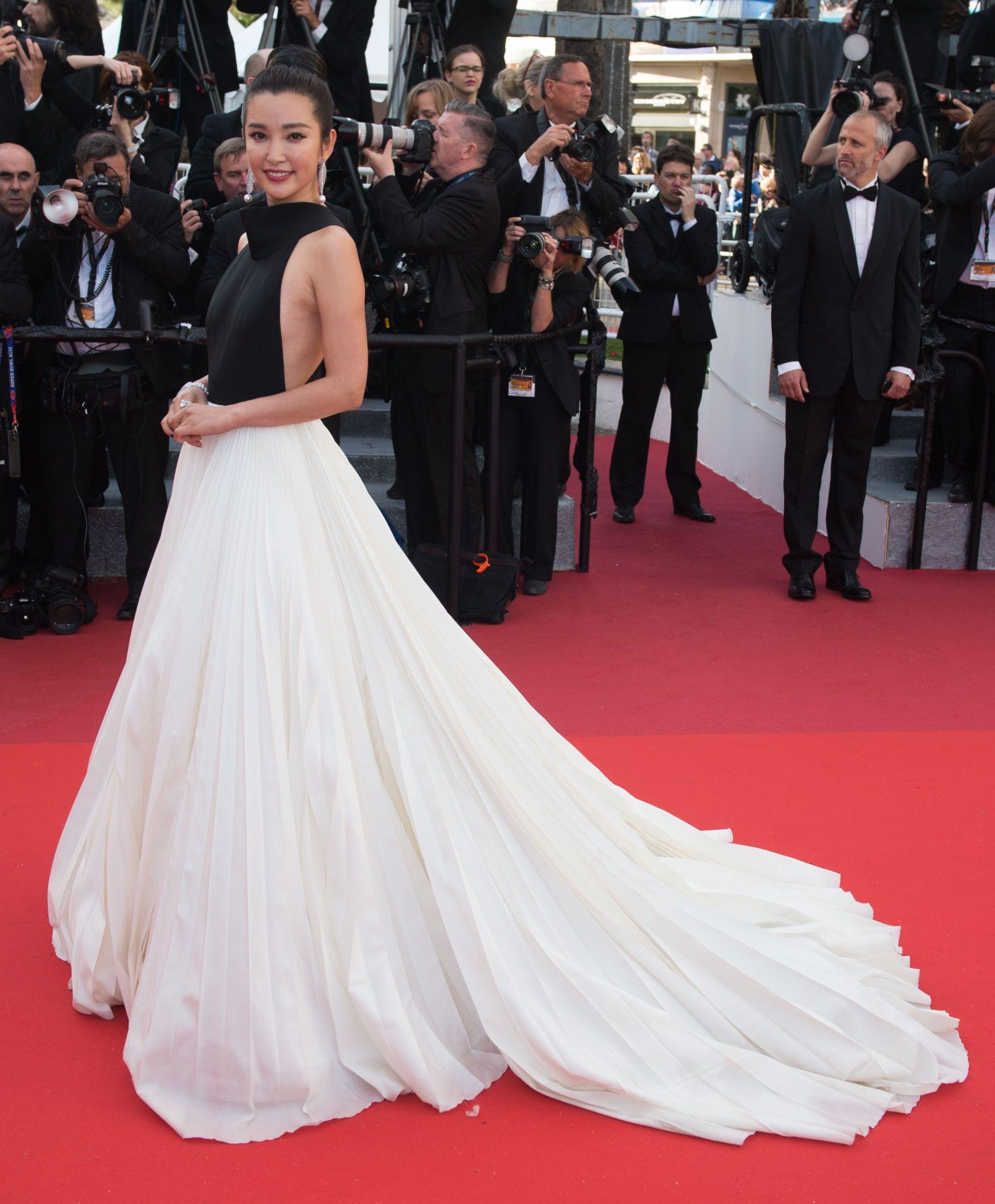 6059103c3890 Cannes 2016 -Li Bingbing. I look più belli sul red carpet del Festival di  ...