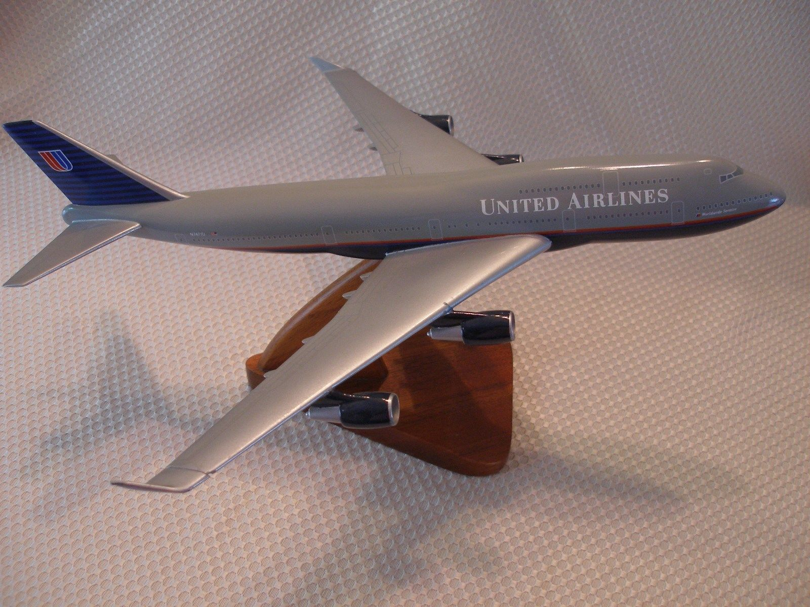 United Airlines 747 Desktop Model