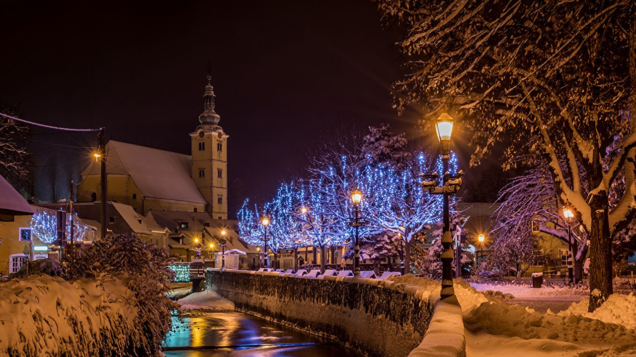 Photo City Of Zagreb Croatia Samobor Canal Winter Snow Night Fairy Lights Street Lights Cities Houses Night Time Building Winter City Zagreb Winter Photos
