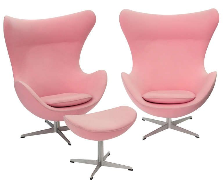Pair of Iconic Egg Chairs and Ottoman by Arne Jacobsen  sc 1 st  Pinterest & Pair of Iconic Egg Chairs and Ottoman by Arne Jacobsen | Egg chair ...