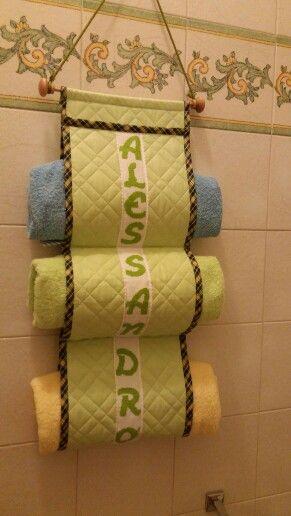 Porta asciugamani / punto croce / bagno / bimbi | Crea | Pinterest