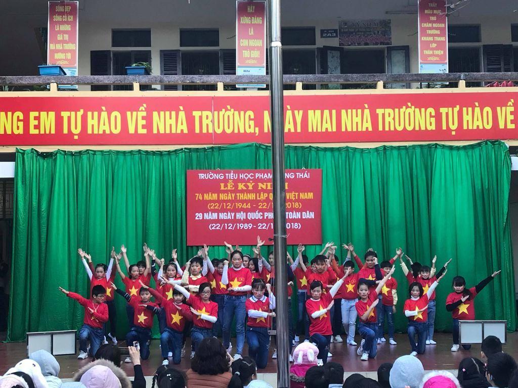 Áo cờ đỏ sao vàng trường Tiểu học Phạm Hồng Thái - Hình 3