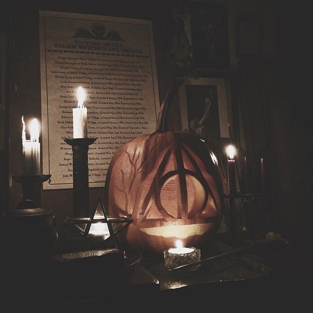 Carving pumpkins and drinking mead together with loveliest @rebeccasyhl. I went for the Deathly Hallows. #Padgram