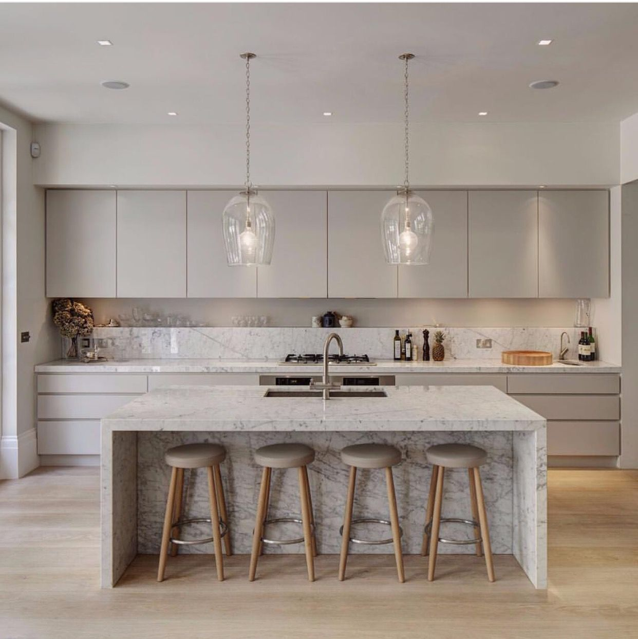 ... Stone In This Contemporary London Home U2026 Especially Love The Kitchen  With Its Wide Planked Wood Floors, Striking Marble Island And Counters,  Plus Th