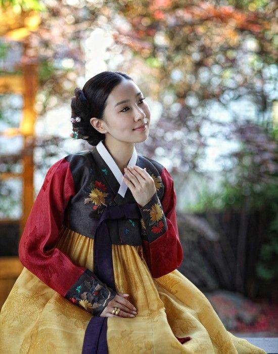 Hanbok Korea Korean Outfits Traditional Outfits Modern Hanbok