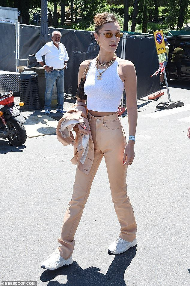 Bella and Gigi Hadid – Celebrities street style