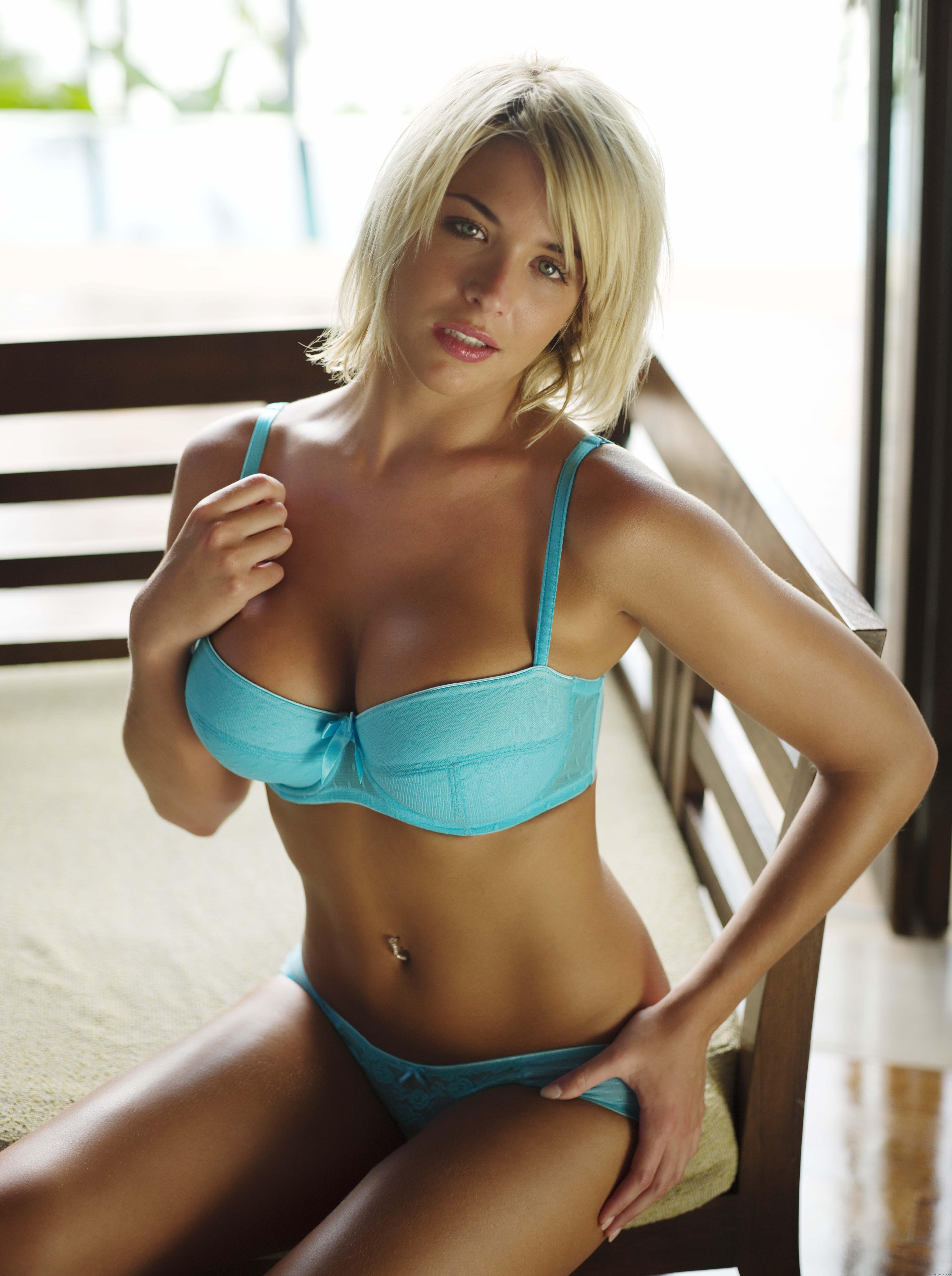 Atkinson  nackt Gemma Gemma Atkinson