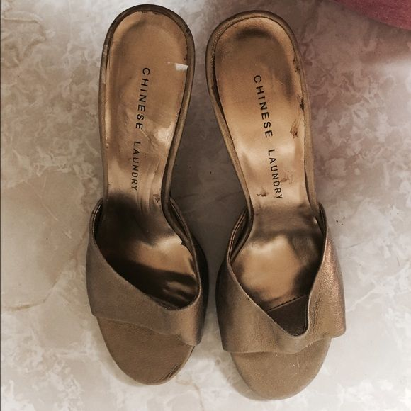 Gold heels Gold heels new never worn Chinese Laundry Shoes Heels
