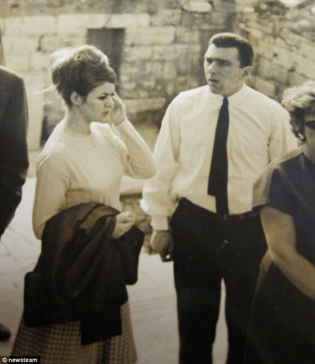 Never-before-seen honeymoon pictures of Reggie Kray with ...