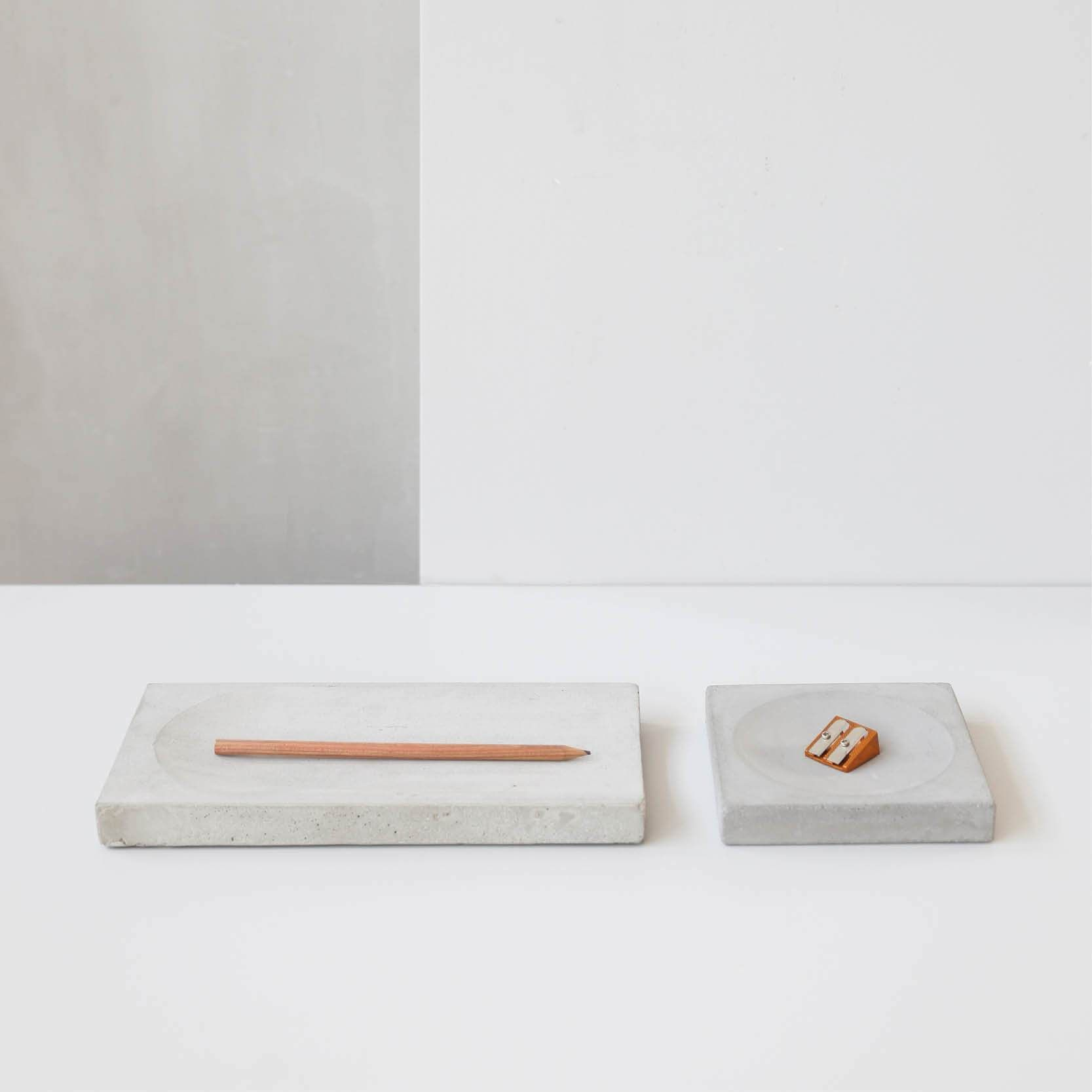 Concrete Tray Is A Set Of Two Geometric Trays Perfect To Display Your Jewellery Or Fruit With Grace The Trays Has That Urban Feel To Them Being Nice But No