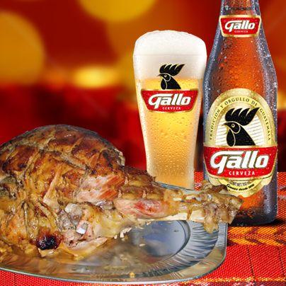 Condimentar la pierna horneada con La Mejor Cerveza le brinda un toque exquisito. Y acompañar la cena de Navidad con el sabor de una Gallo bien fría es el toque especial. ¡Felices fiestas!