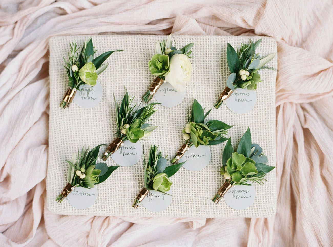 Liz Ryans Modern Dallas Wedding On Green Shoes Floral The Southern Table