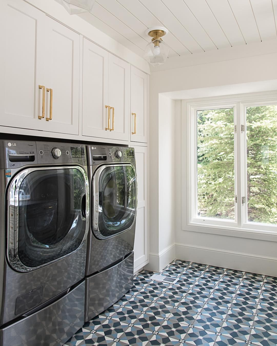 We Borrowed From The Laundry Room To Gain A Butlers Pantry But With Space Planning Our Client Ended Up With More S Laundry Room Laundry Mud Room Space Planning