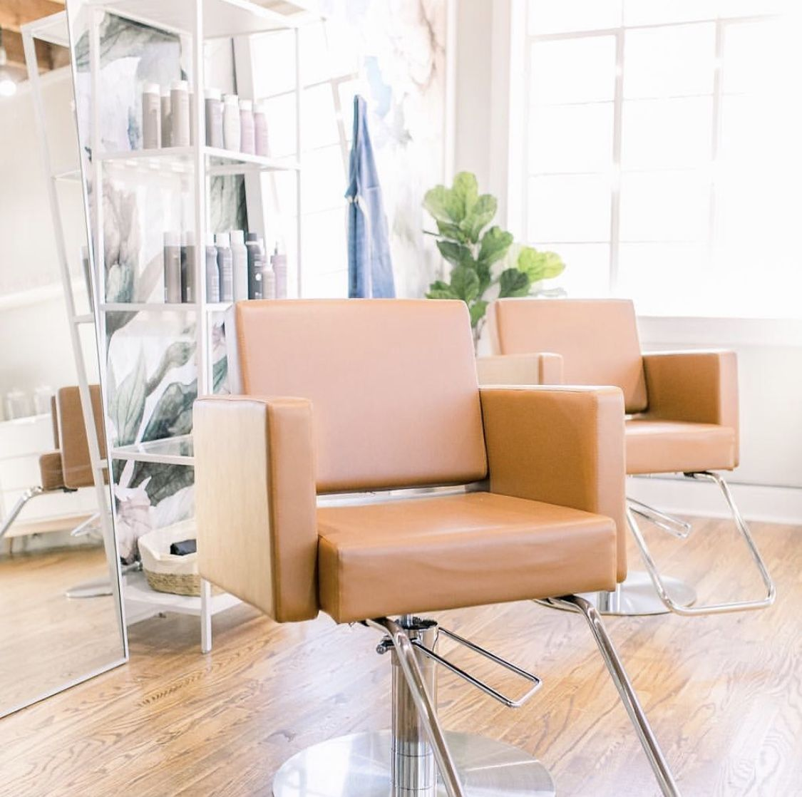 Outstanding We Cant Get Enough Of Pampered Pretty Salon In Charleston Interior Design Ideas Grebswwsoteloinfo