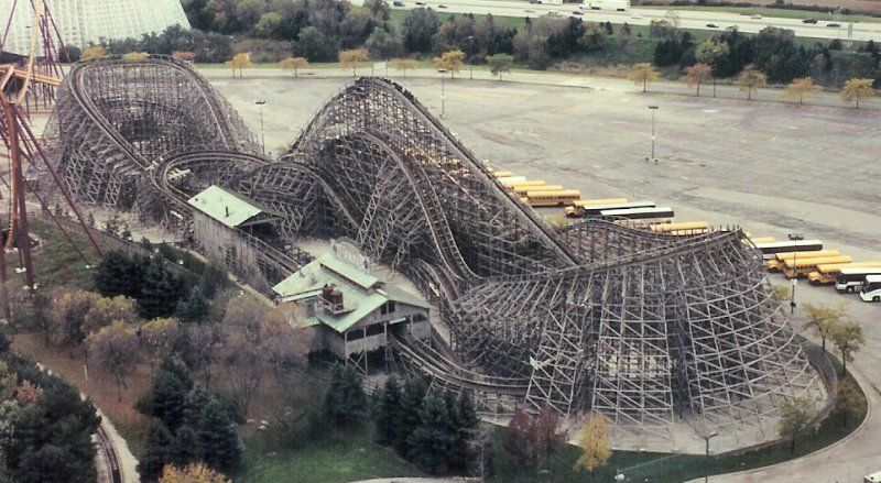Viper Six Flags Great America Gurnee Illinois Usa Great America Six Flags Amusement Park Rides