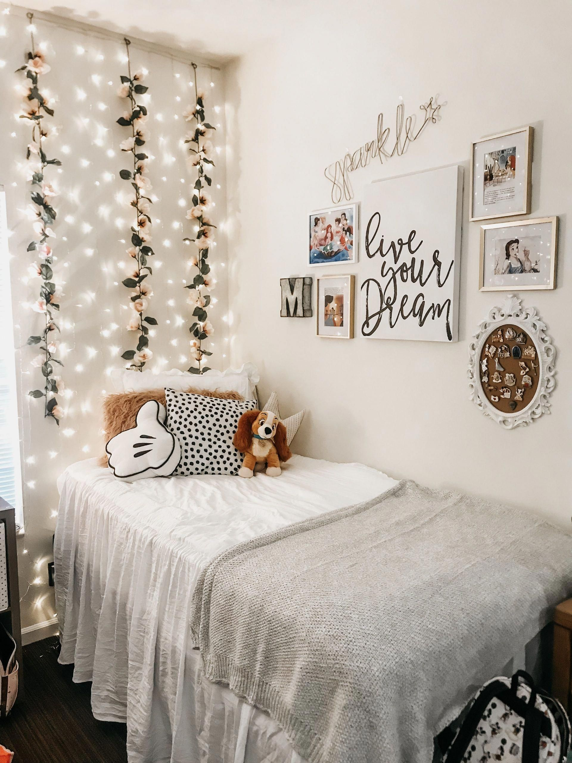 100 New Year S Eve Party Decoration Ideas In 2020 Dorm Room
