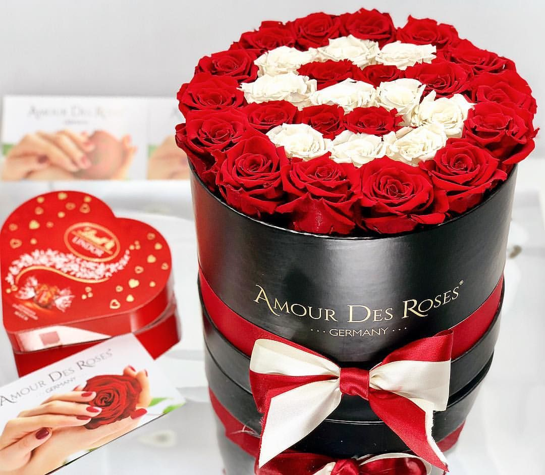 Customized Rosebox With Letter Or Number Amourdesroses Rosebox Flowerbox Infinityroses Infinity Redandwhite Letter Flower Letters Rose Flower Boxes
