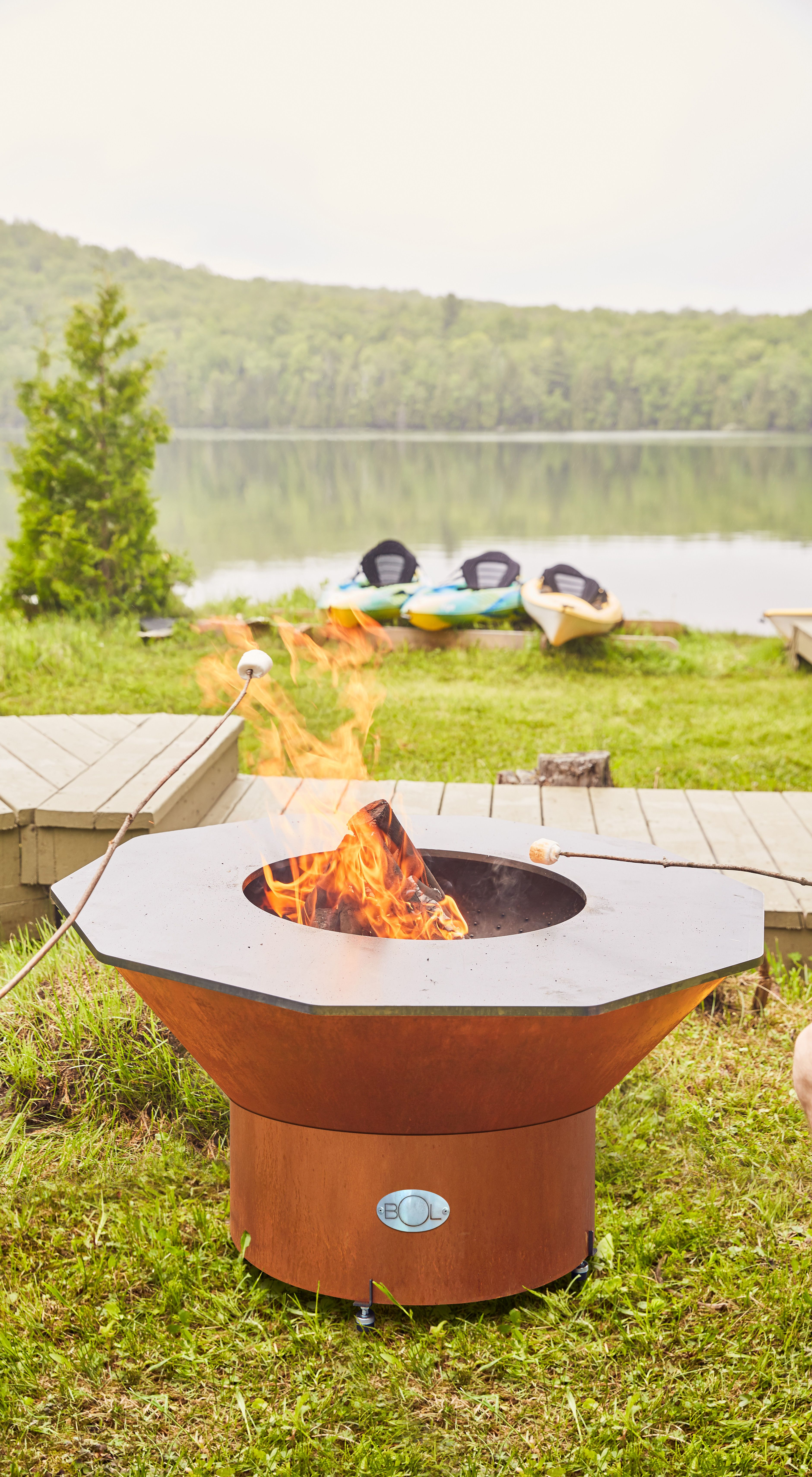 Le Bol Grill With A Low 8 Pedestal Perfect For Relaxing By In Adirondack Chairs Grilling Sphere Design Bol