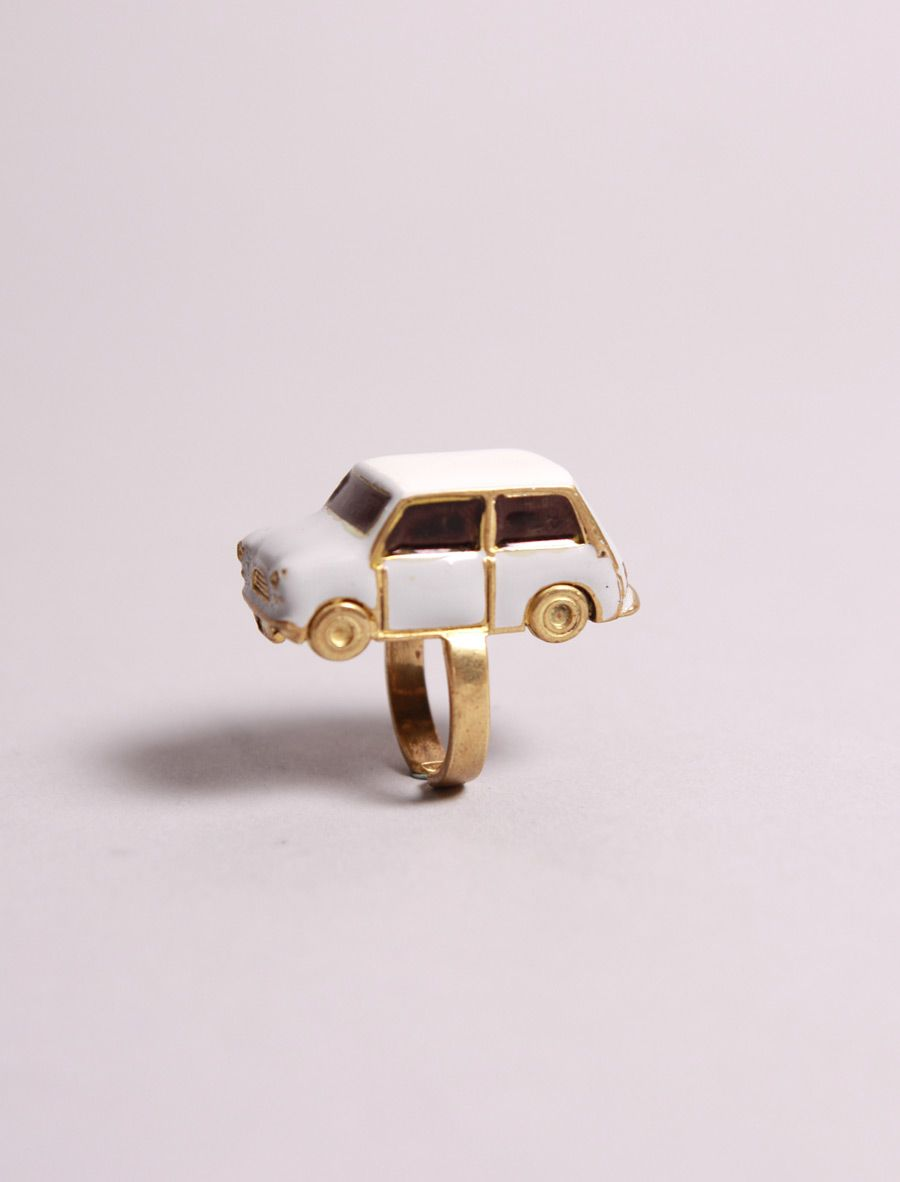 Awto Blanco Ring   OLDgOLD BOUTIQUE $58 omg want this, too bad it's out of stock :(