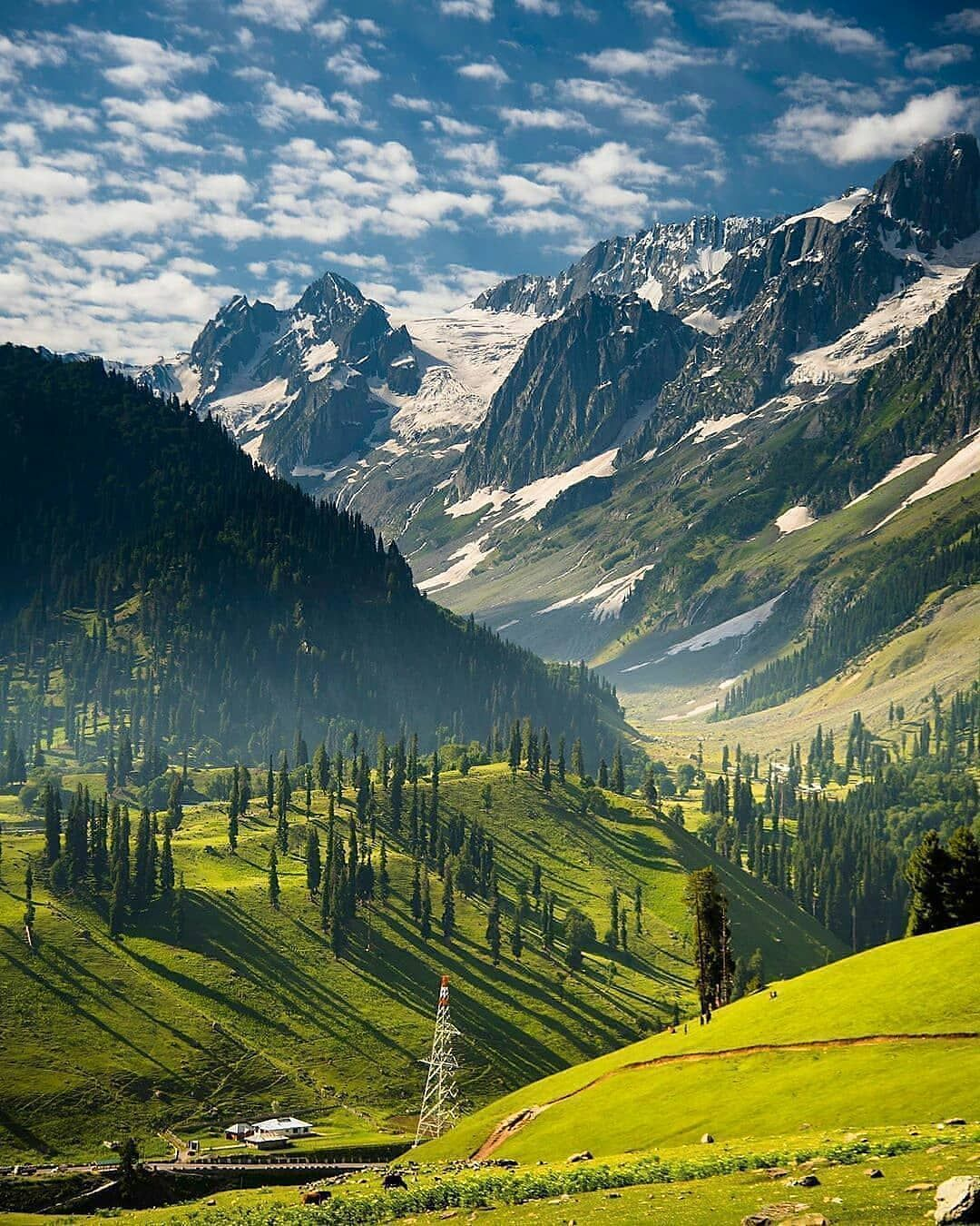 Himachal Is Love On Instagram Instagram Photo By Rajshree1209 Sonmarg Jammu And Kashmir Ind Beautiful Places On Earth Cool Places To Visit Kashmir India