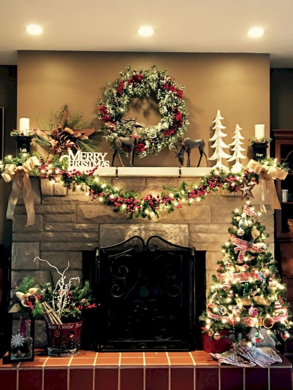 60 Inspiring Christmas Fireplace Decor Ideas images