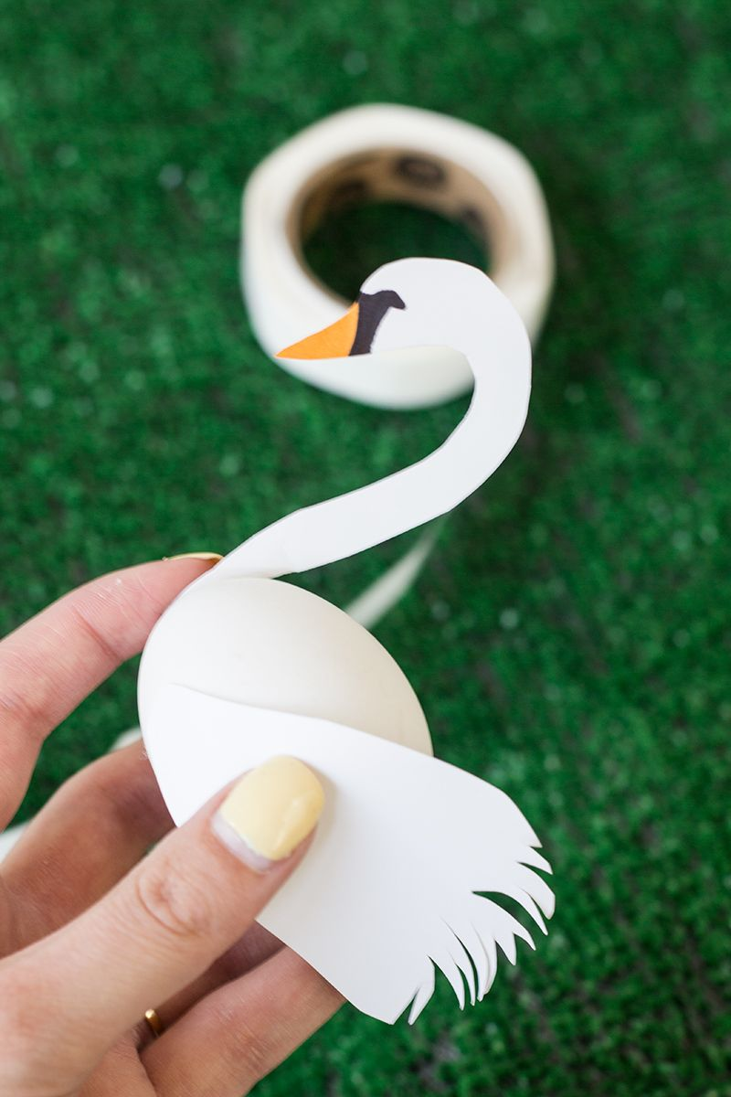 DIY Swan Easter Egg
