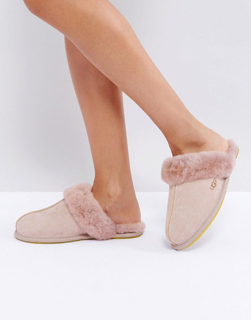 9c170aaa485 Get this UGG's slippers now! Click for more details. Worldwide ...