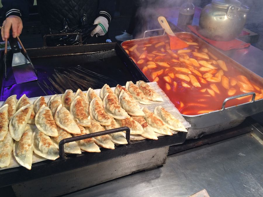 15 Must Try Street Food In Seoul Travel Guides For Muslim Travellers Have Halal Will Travel Korea Street Food Korean Street Food Food