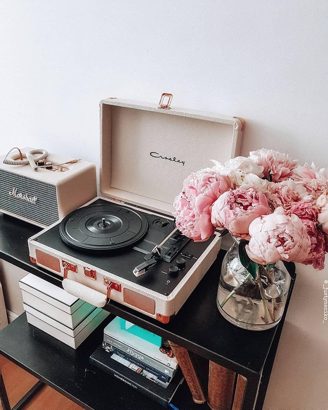 Crosley Cruiser Cream And Rose Gold Bluetooth Vinyl Record Player Record Player Vinyl Record Player Record Room