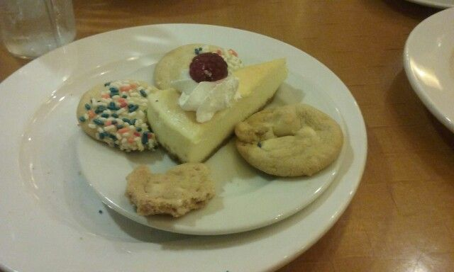 Cheese cake and cookies at Harrah's buffet in Laughlin ...